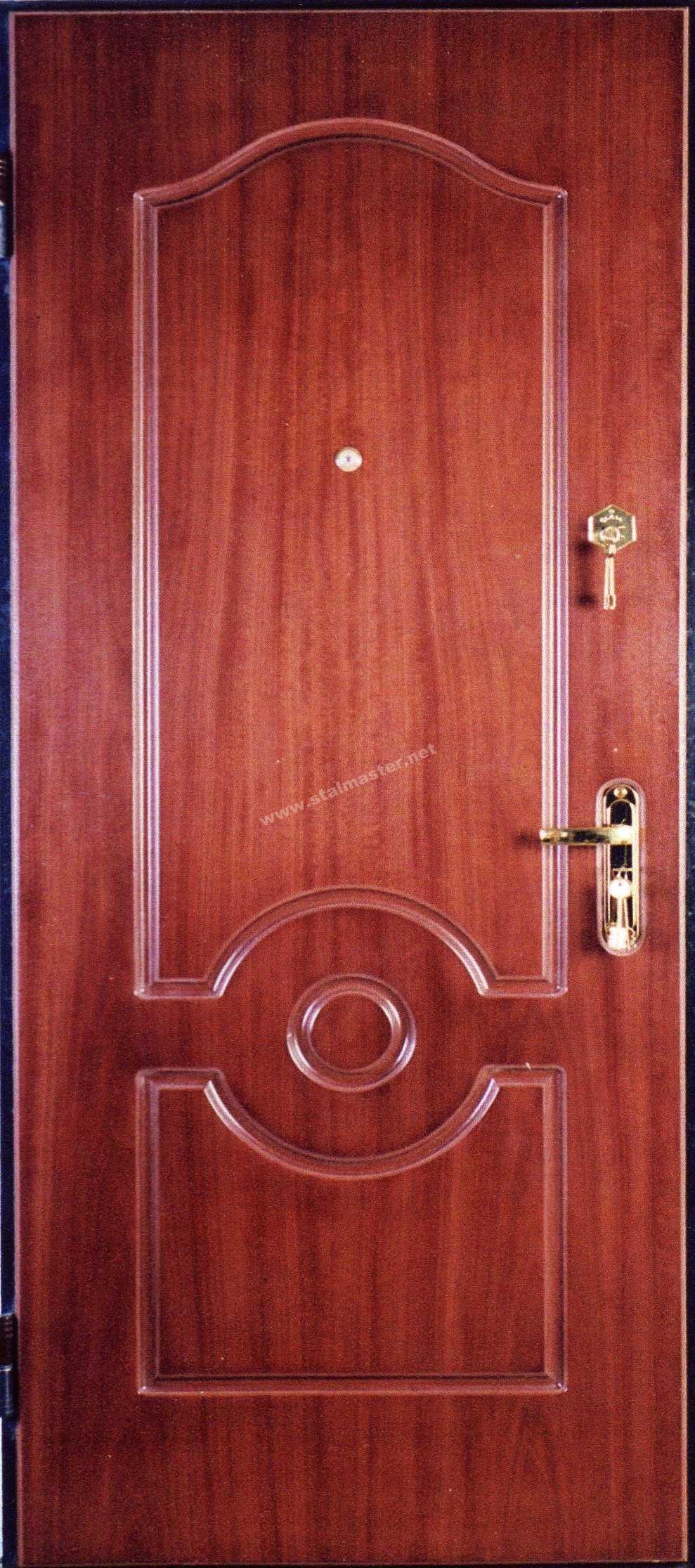 металическая входная дверь со шпоном
