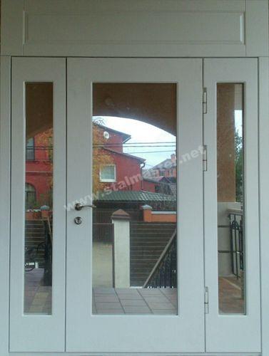 двери входные в здание тамбурные и служебные