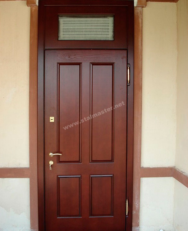 входная дверь высокая
